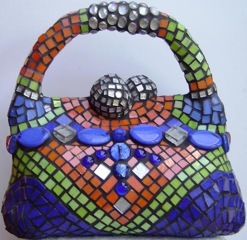 Max500_handbag_front_view_40l_x_38h_x_18dcm