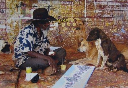 Paddy's lunch: Paddy Stewart at Yuendumu image