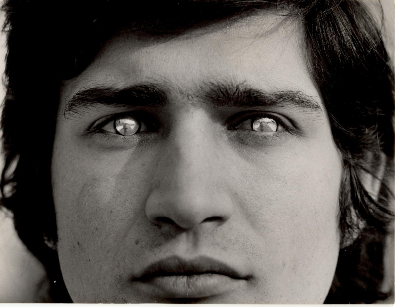 Rovesciare i propri occhi (To reverse one's eyes) image