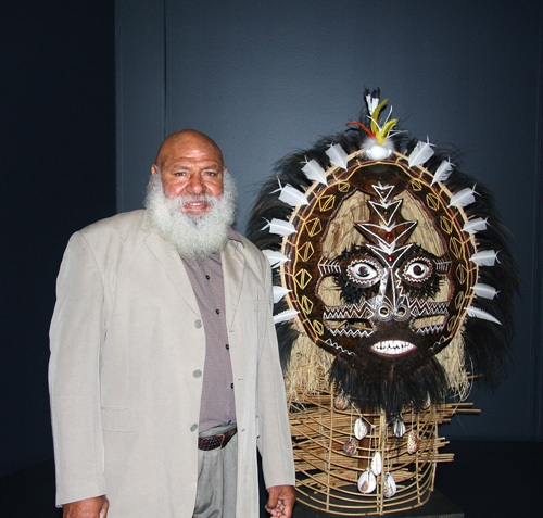 Ricardo Idagi with Malo mask 2008 image