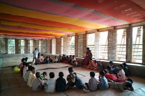 METI – Handmade School. Rudrapur, Bangladesh. 2004-06 image