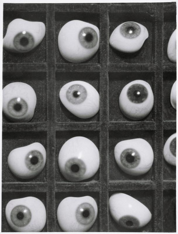 Yeux de verre (Glass eyes) 1928 image