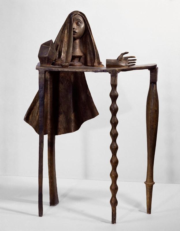 La table surréaliste (Surrealist table) 1933/1969 image