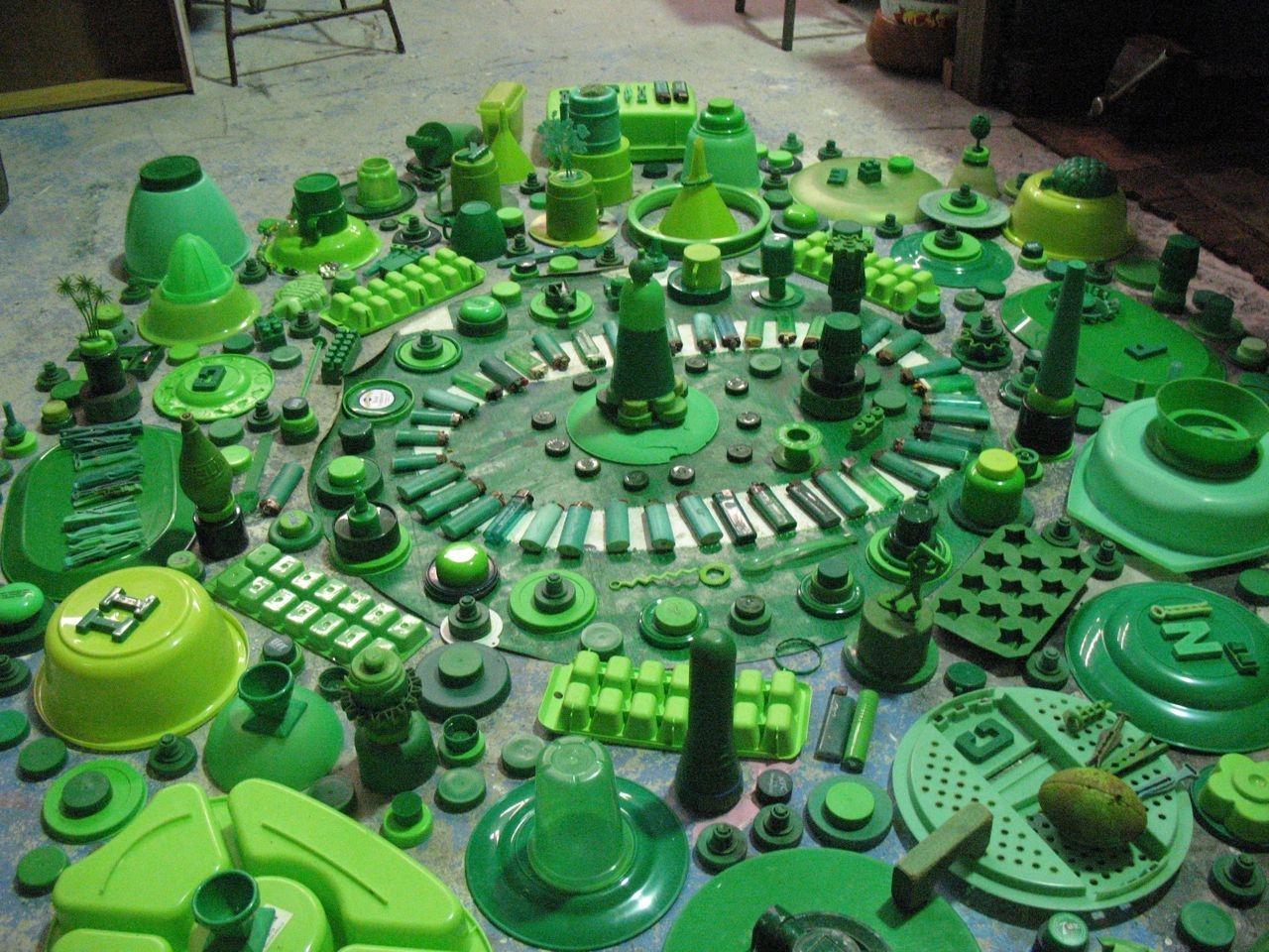 Study [green] image