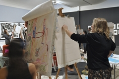 Figure drawing in the gallery image