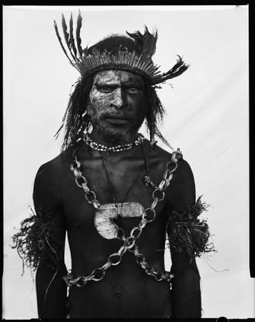 Australians in PNG | Stephen Dupont: Piksa Niugini image