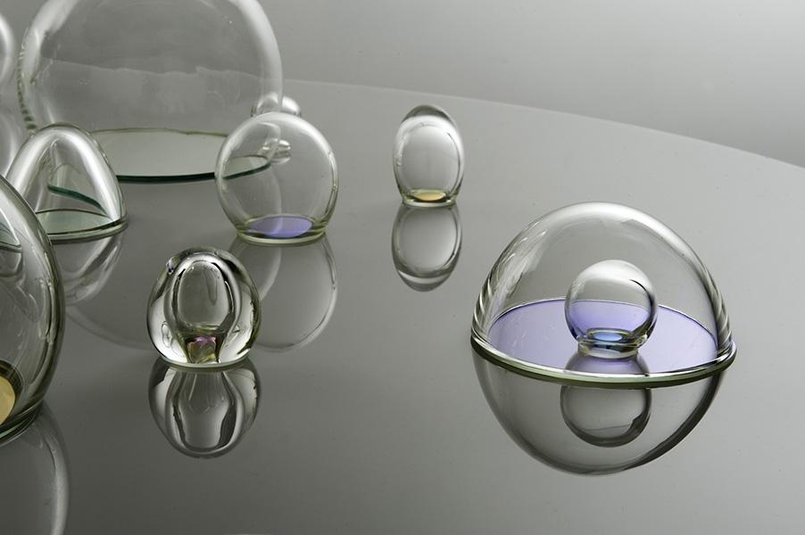 Jasmine Targett, glass artist. image