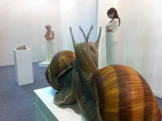 Sam Jinks wows crowds at the India Art Fair image