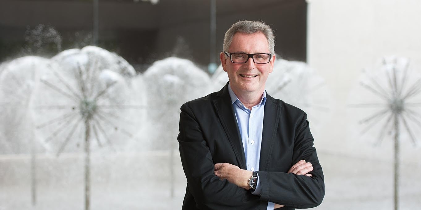 QAGOMA Director Chris Saines to judge $15,000 SWELL Sculpture Award sponsored by City of Gold Coast image