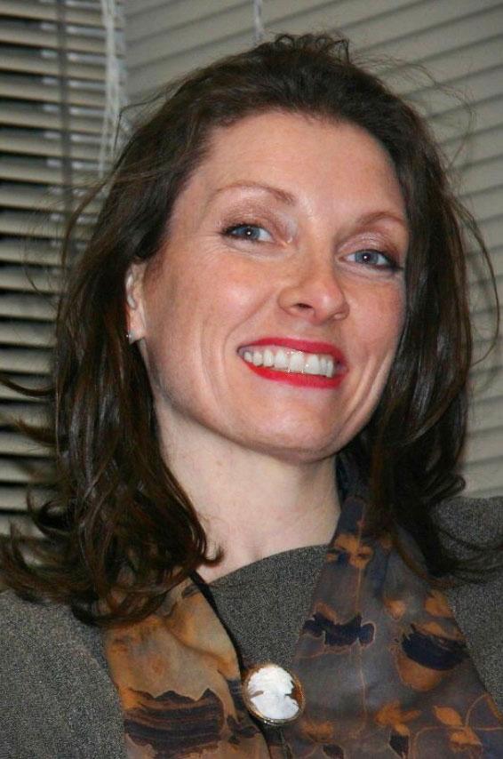Ms Sarah Schmidt image
