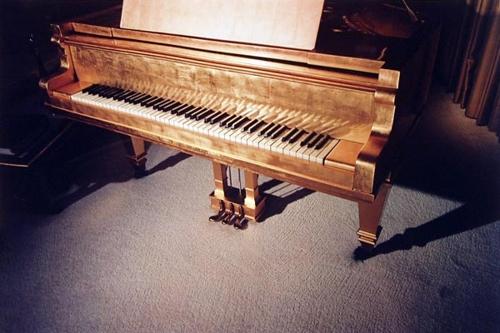 Graceland image