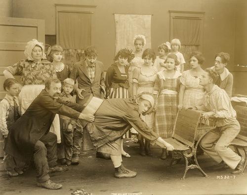 Comedienne Louise Fazenda (center), 1919 image