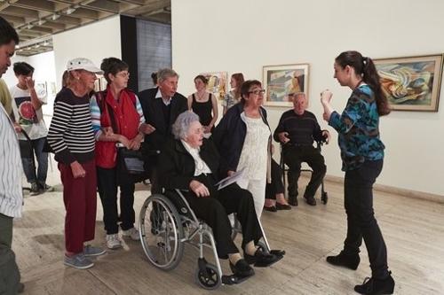 Art and dementia program image