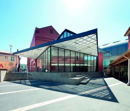 Geelong Gallery Grasshoppers—  Archibald Prize 2015  Art Gallery of Ballarat bus tour image