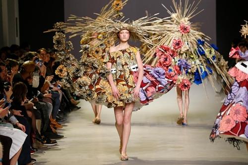Viktor&Rolf Fashion Artists image