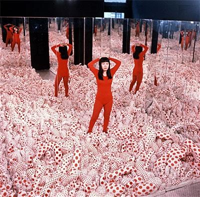 Yayoi Kusama: Infinity Mirrors image