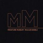 Max500_https-www-artsy-net-miniaturemuseum