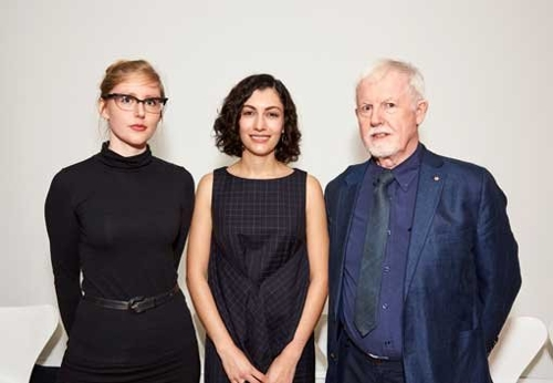 Elena Papanikolakis awarded 2016 Eva Breuer Travelling Art Scholarship image